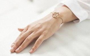 Voici le bijou idéal pour un Pacs : le bracelet ou pendentif Gemografic
