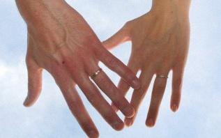 7 conseils de joaillier pour bien choisir son alliance en diamant