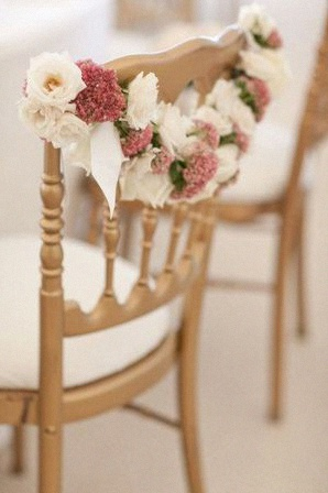 decoration fleurs chaise
