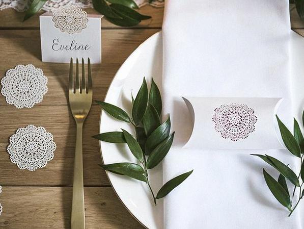 décoration dentelle table