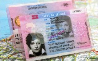 Les étrangers et le PACS : effets sur le séjour et la nationalité