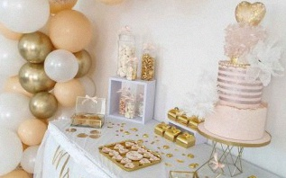 Inspirations sweet table mariage et Pacs : pêche, blanc et doré